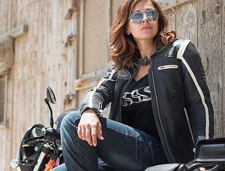 Motorradbekleidung von IXS aus der Schweiz
